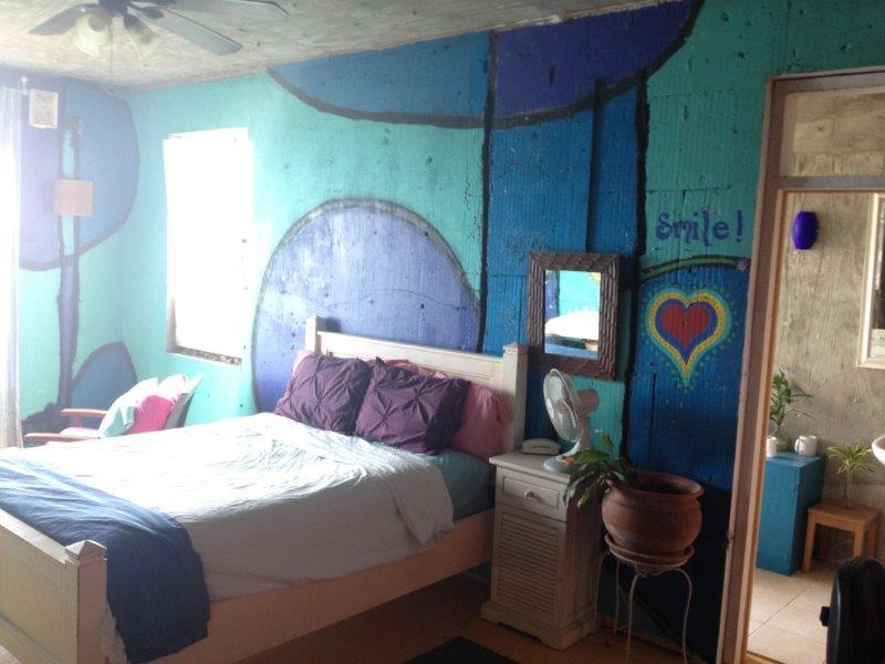 Colorful bedroom (2)