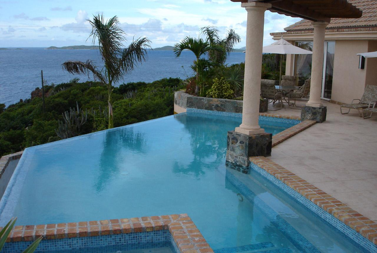 INFINITY EDGE POOL AND VIEW