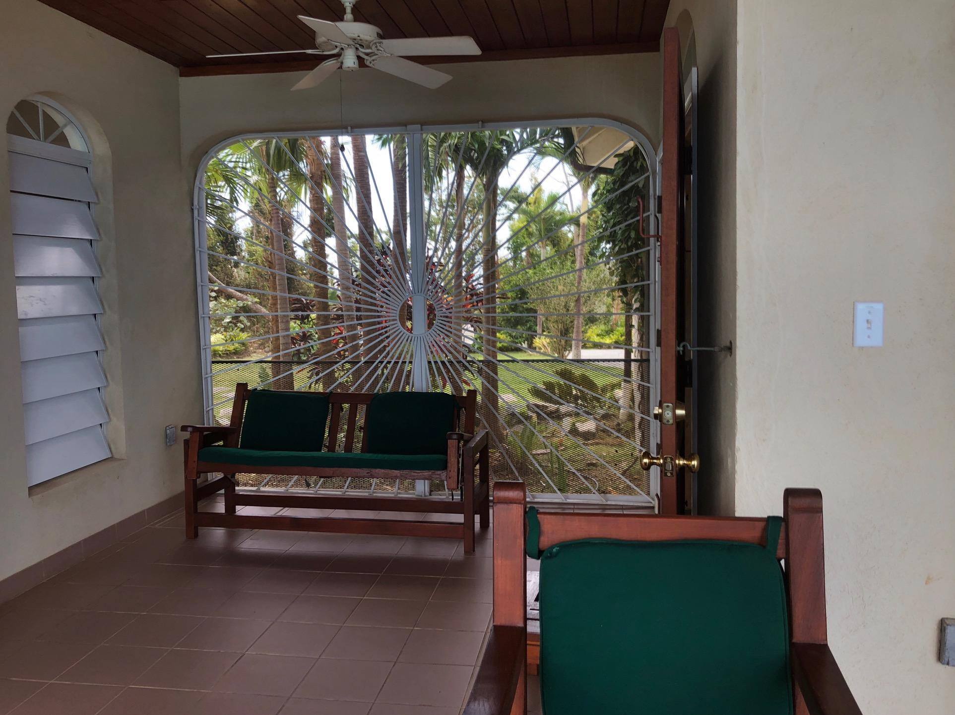 sitting areas at end of each veranda