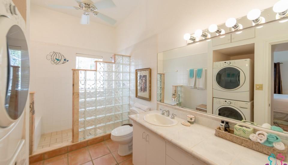Mandavilla Rose Bath 1
