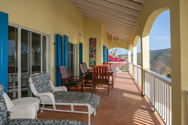 009 Upper veranda