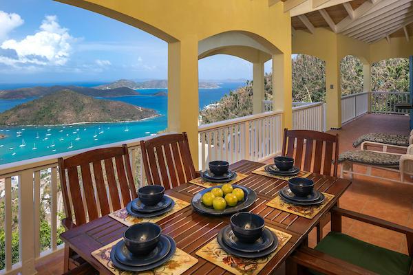 010 Upper veranda with outdoor dining