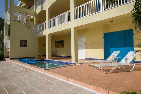 026 Pool deck
