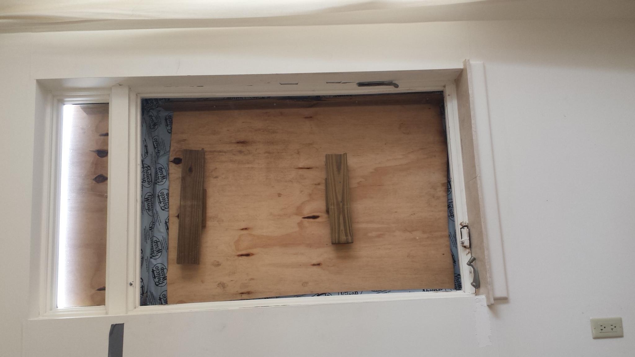 G Upper damage window