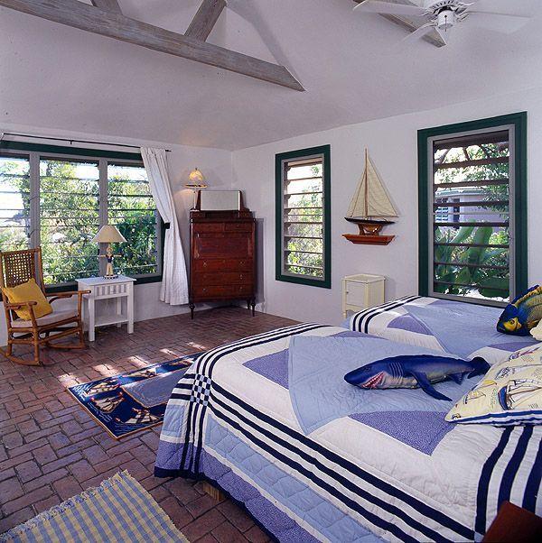 Cottage living rm