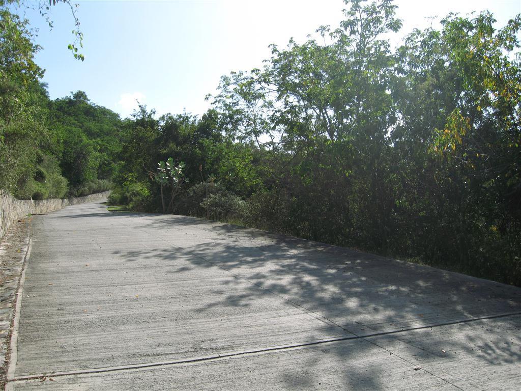 Estate Road-parcel on right