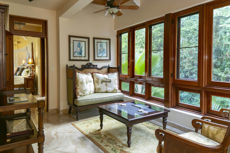 024 Coral Bay Suite