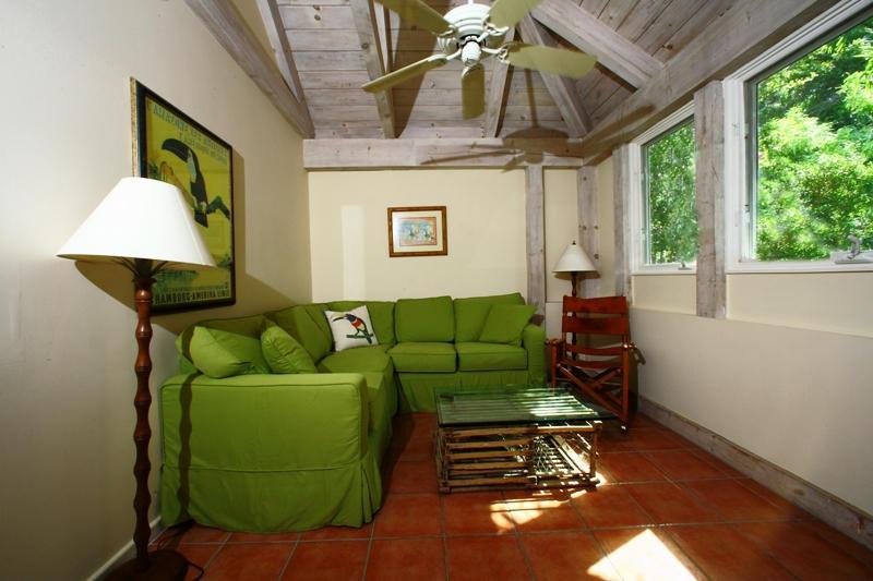 TV room or fifth bedroom