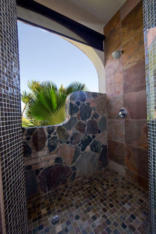 Outside Shower with Stonework