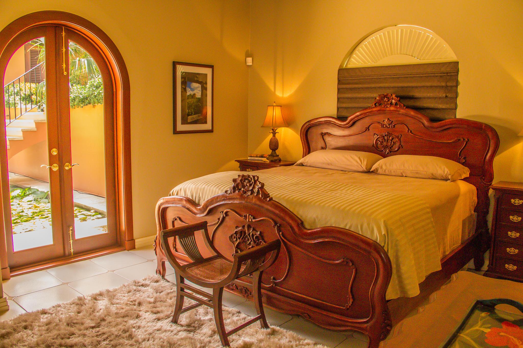 Guest Bedroom (2) - natural light
