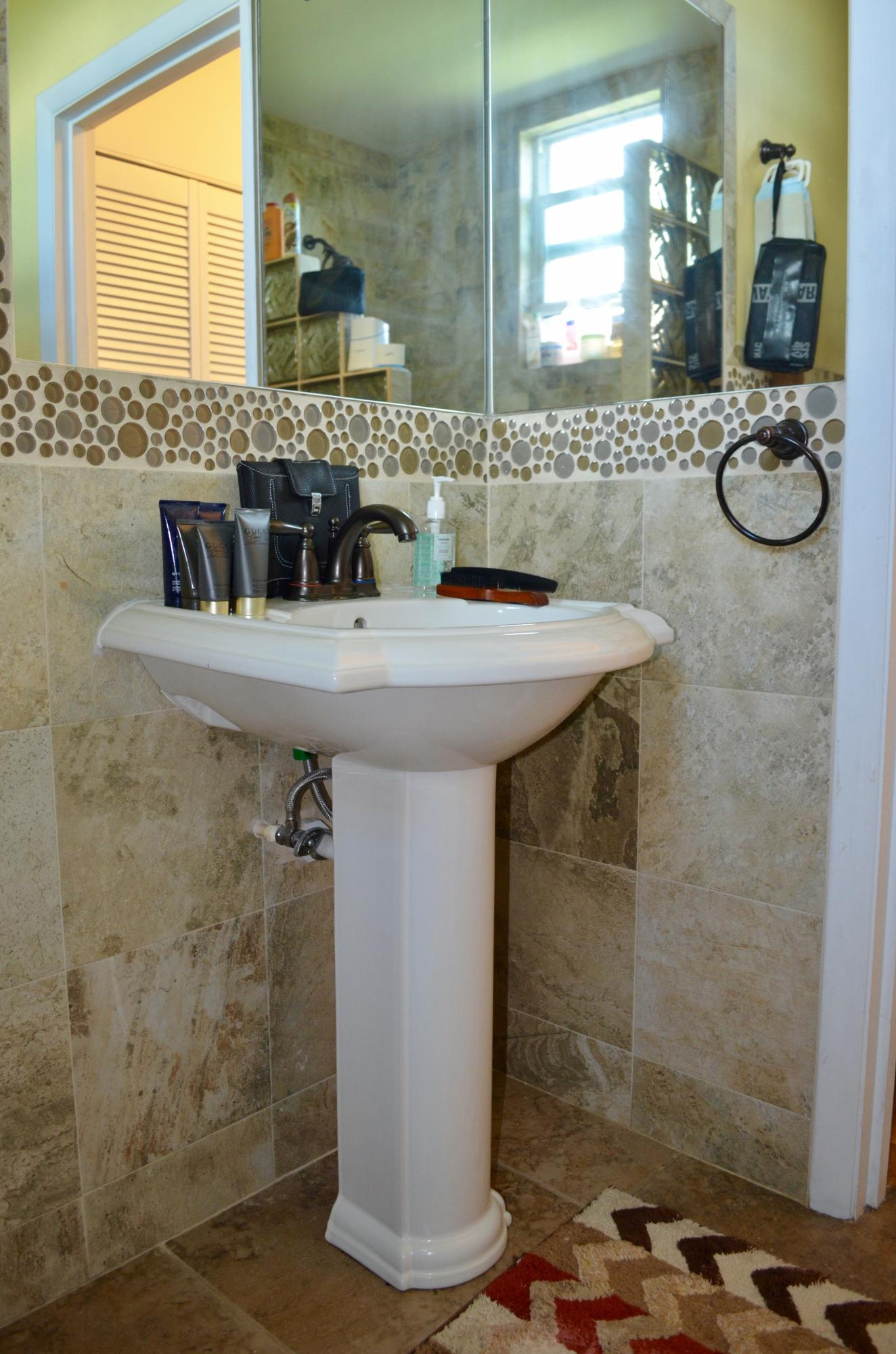 Apartment Pedestal Sink