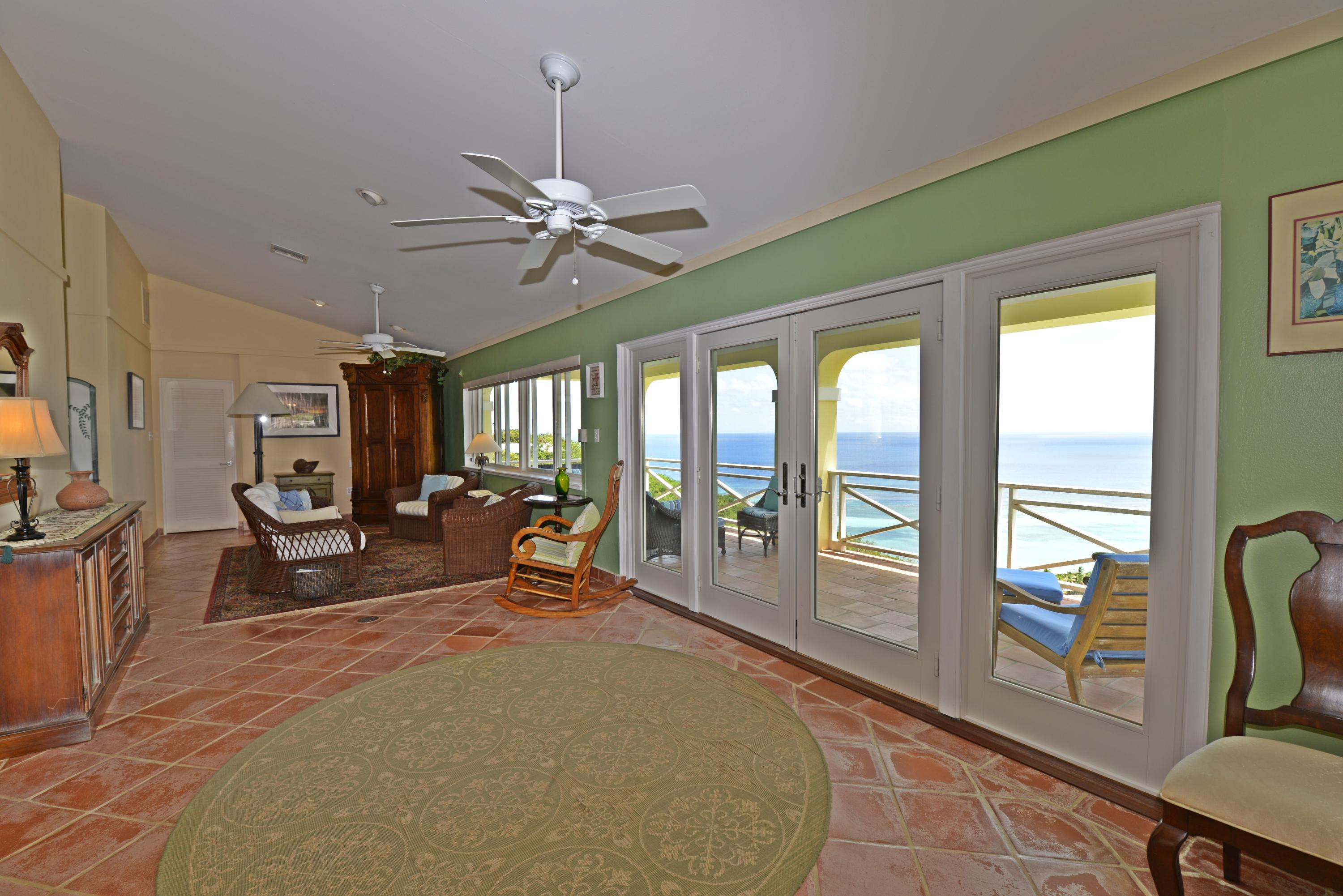 Ample space to entertain with a view