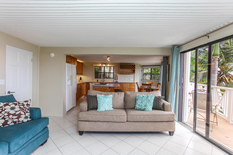 Pool Apartment Living Room