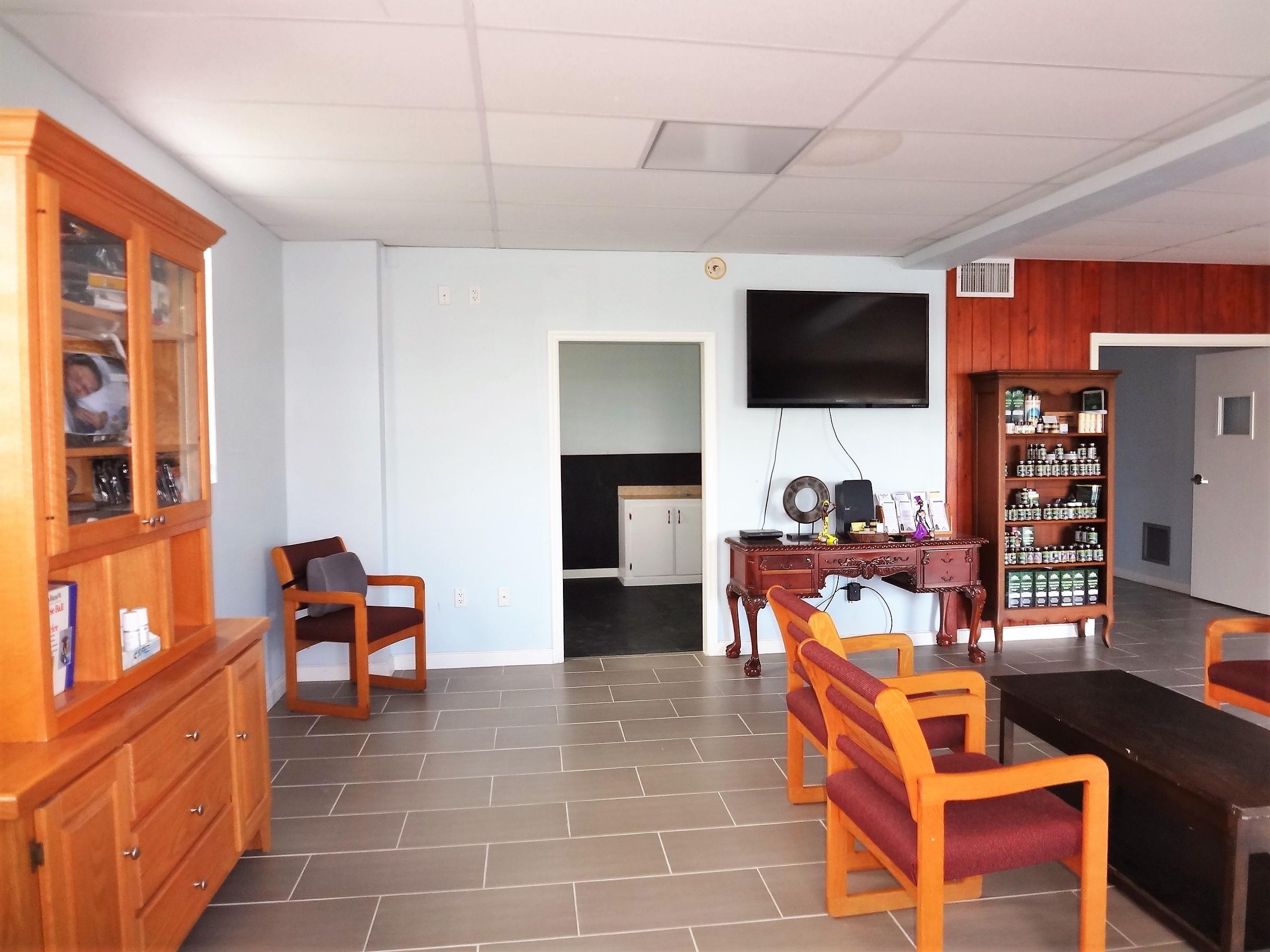 Suite 1 Waiting Room (3)