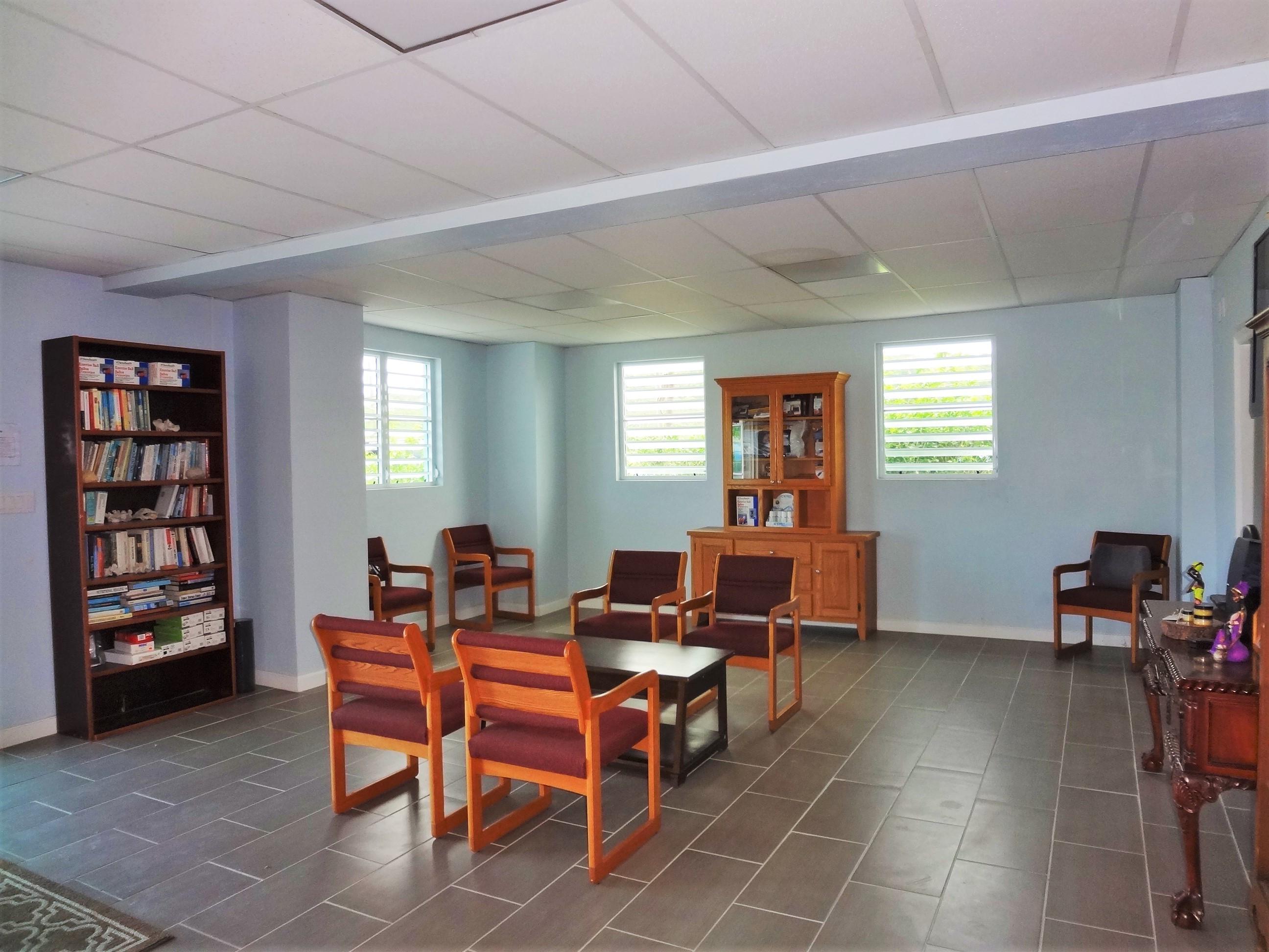 Suite 1 Waiting Room (4)