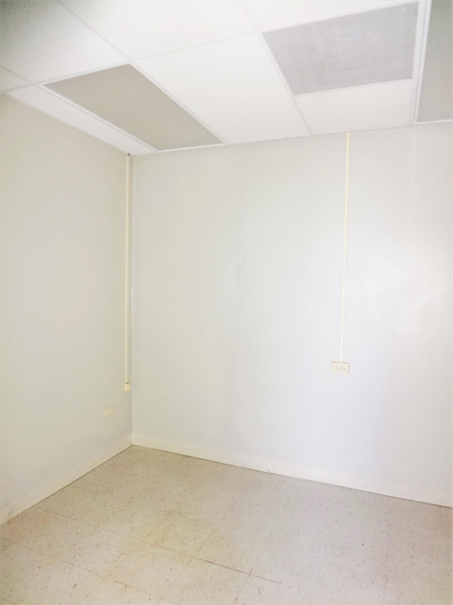 Suite 3 Room (4)