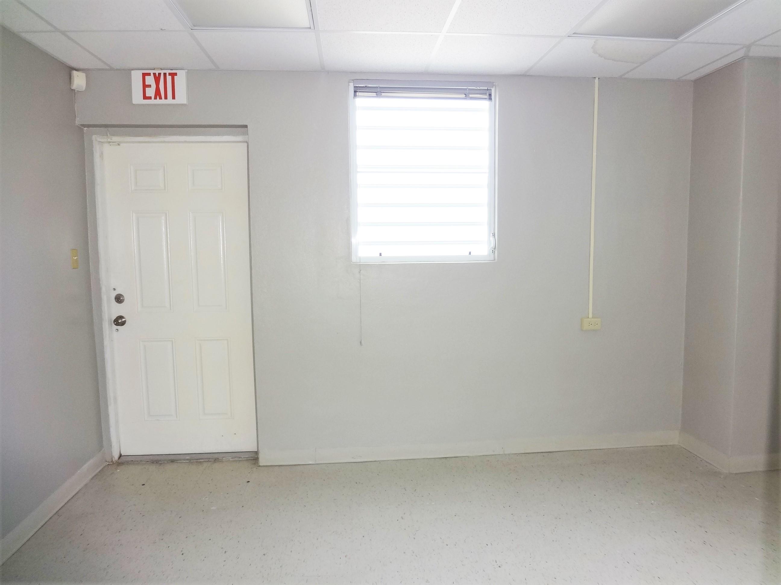 Suite 3 Room (5)