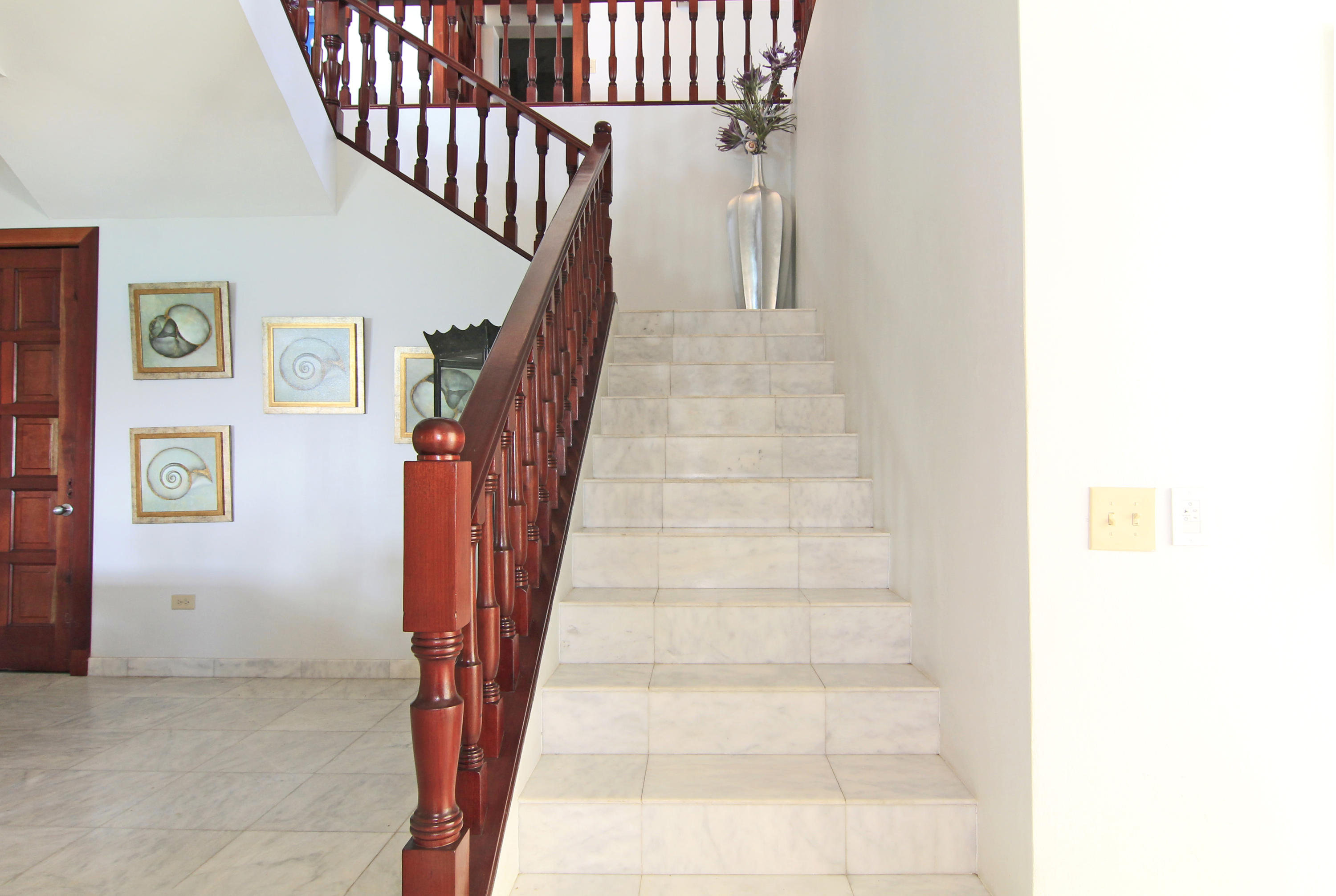 Stairway to family room and 3rd bedroom