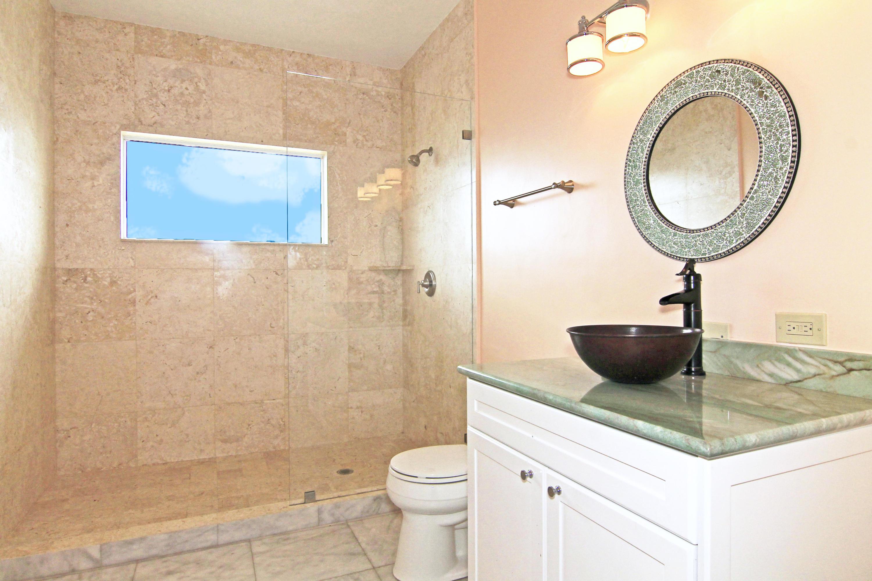 3rd bedroom bath