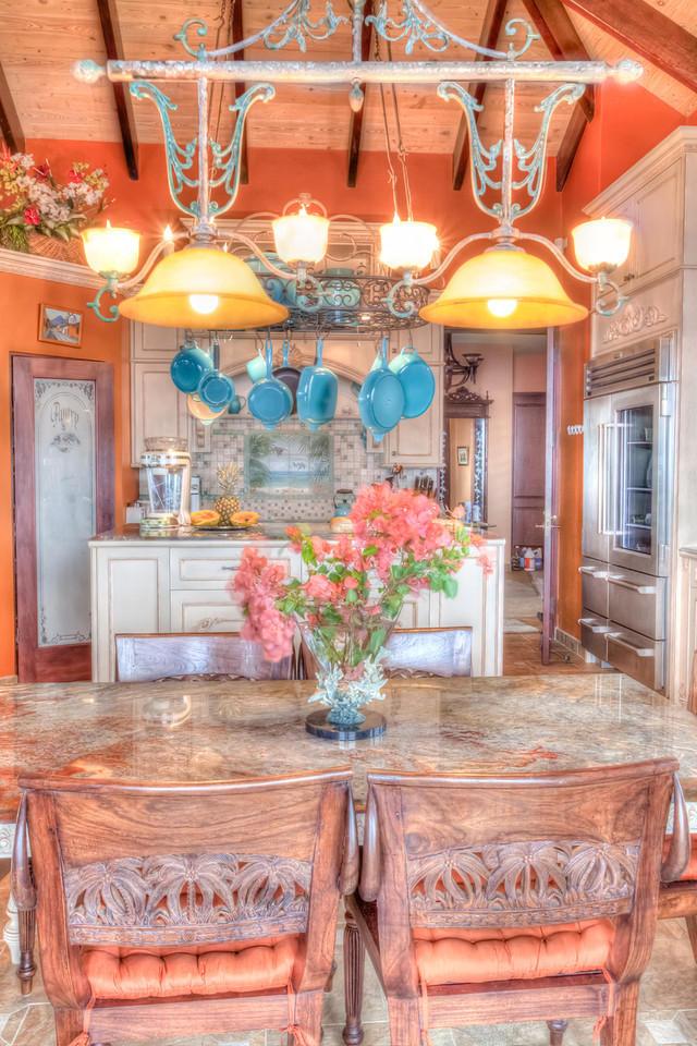 What a pretty kitchen!