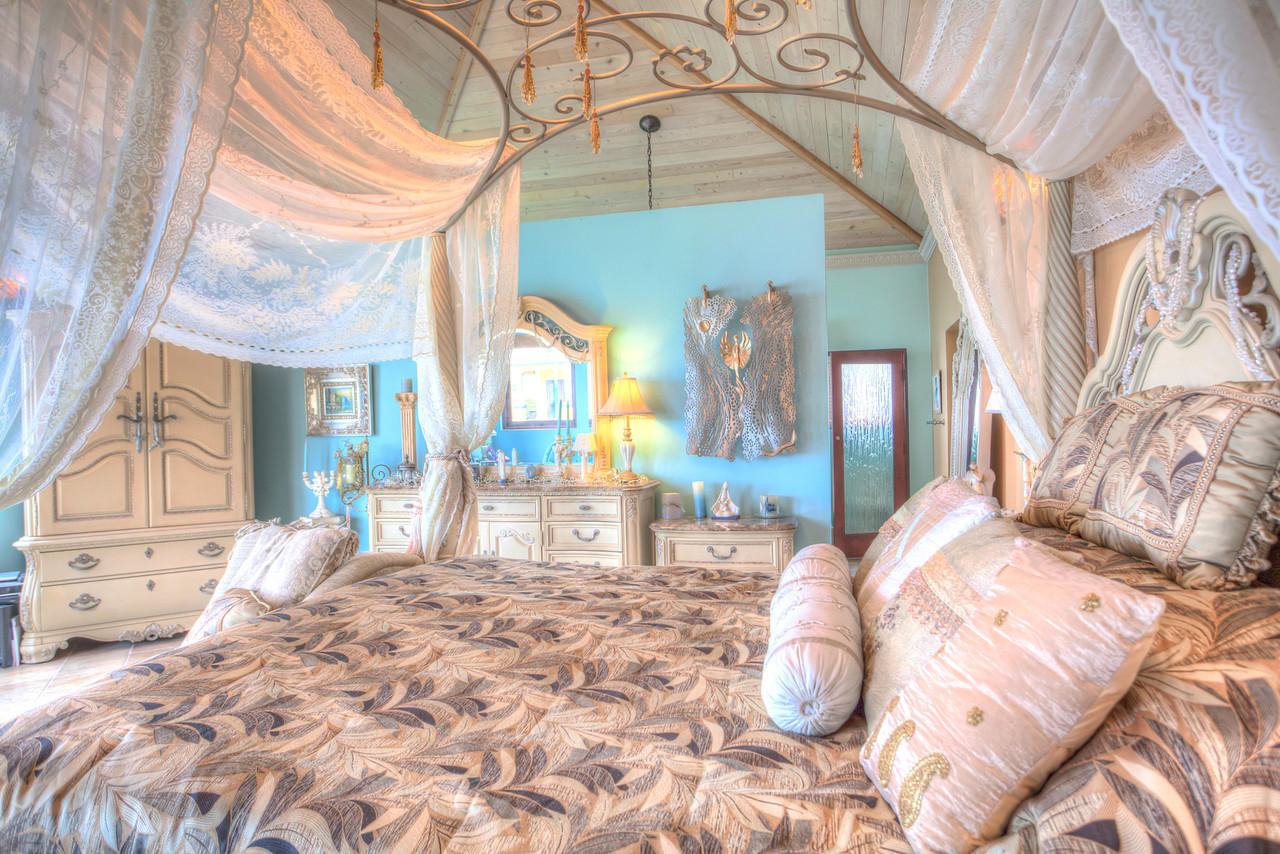 King Suite #1 with beautiful canopy bed