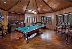 Billiard/game Room