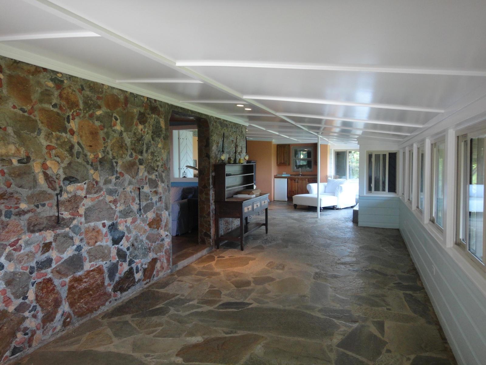 Stone Cottage enclosed patio
