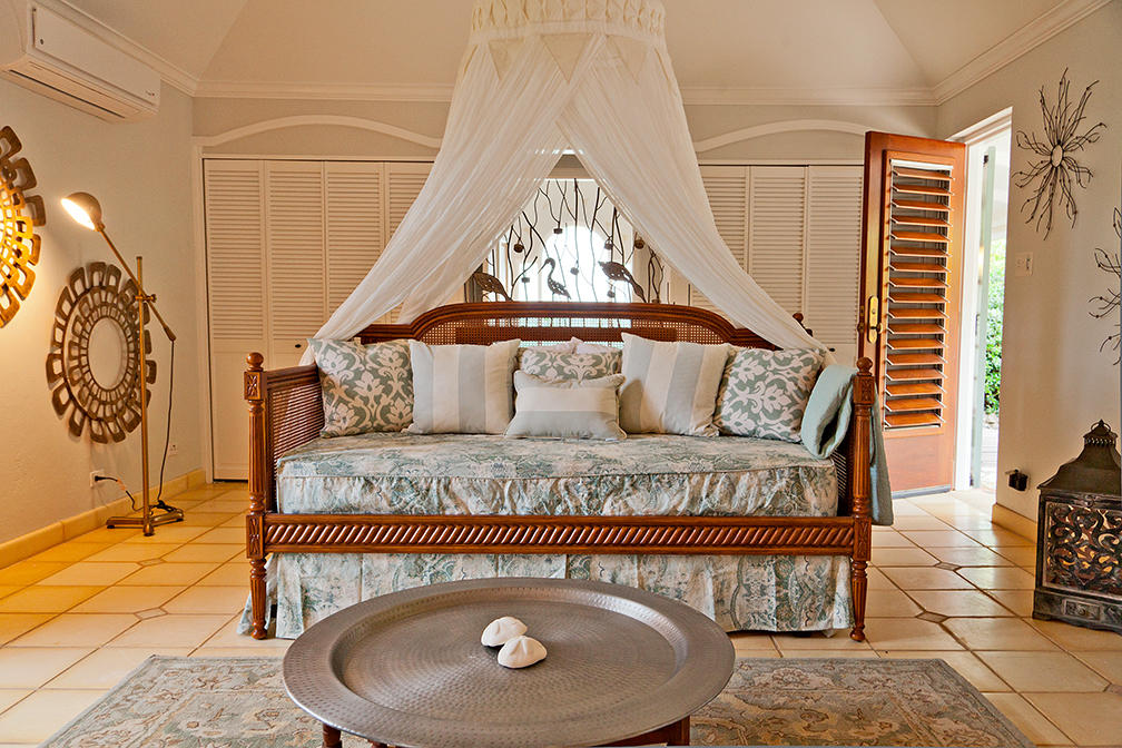 Daybed in master