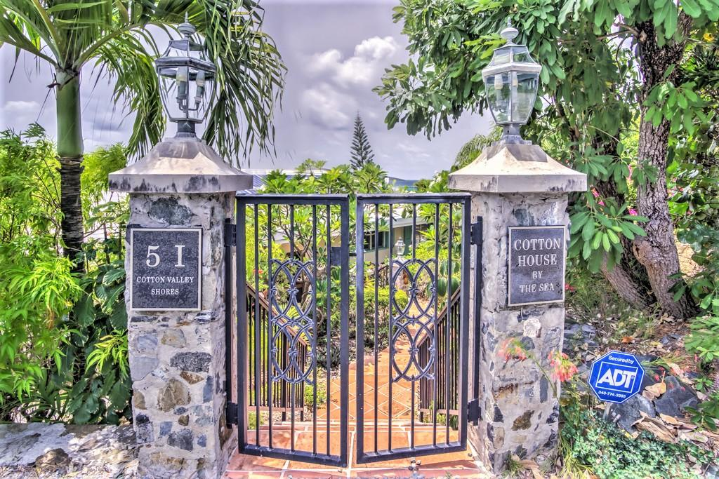 Custom Stonework Entry Gate