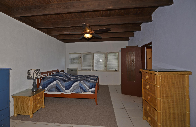 Lower level bedroom with bath en suite