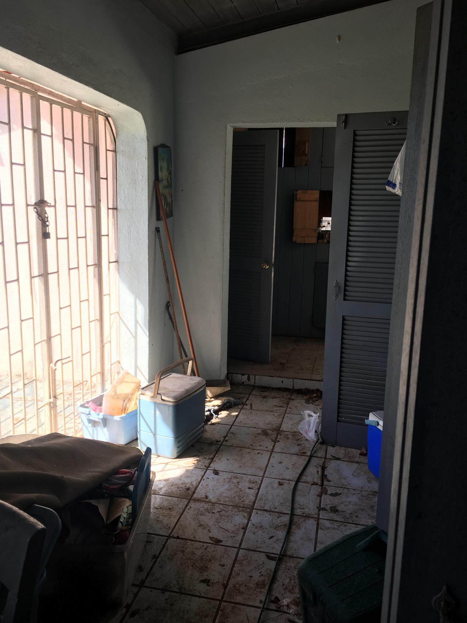 Hallway between bedrooms and kitchen