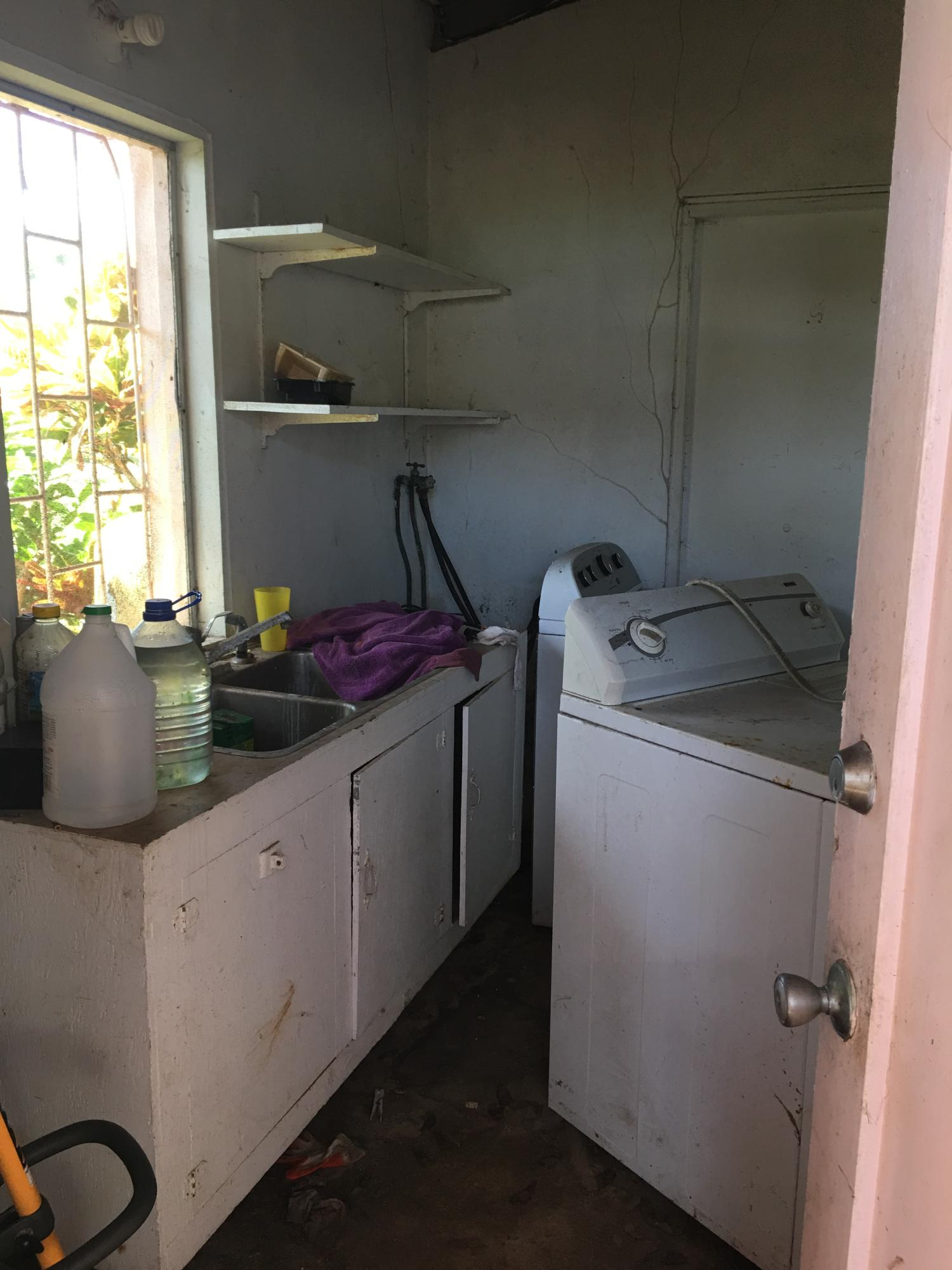Laundry room between cottages