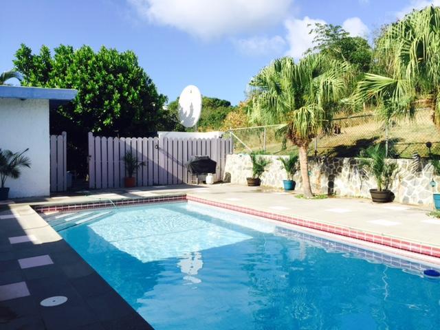 Attractive Pool Area