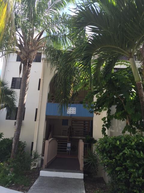 Pollard 312 Club Stx entrance