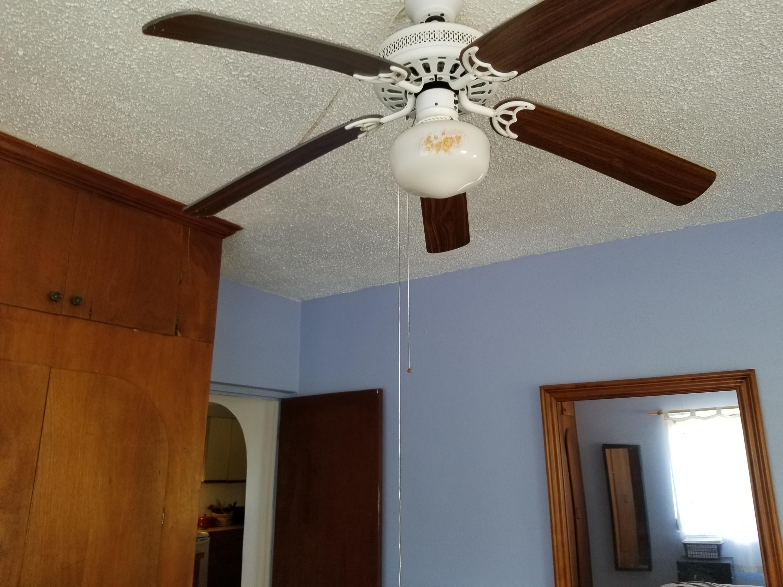 bedroom ceiling fan Apt