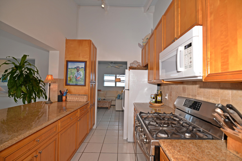 Kitchen flows between rooms