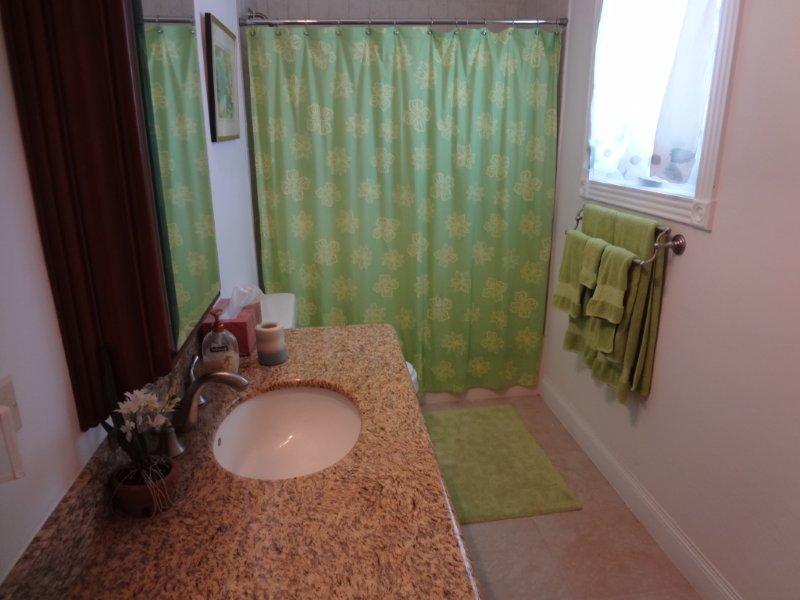 Upstairs 2nd Bath