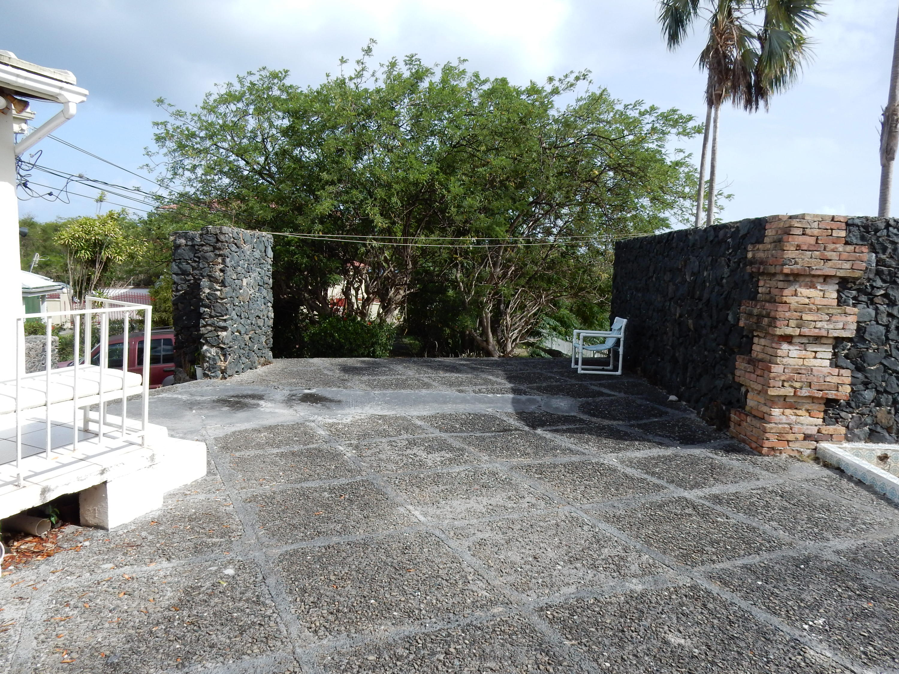 Stone walls on patio