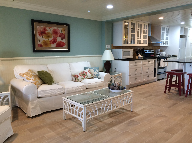 Living Room - Kitchen - nice