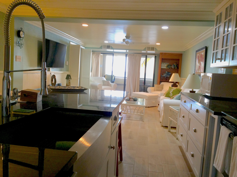 Kitchen - sink to view 3