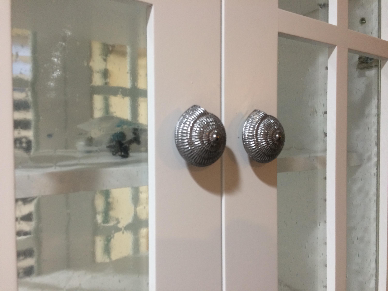 Kitchen - Knob details
