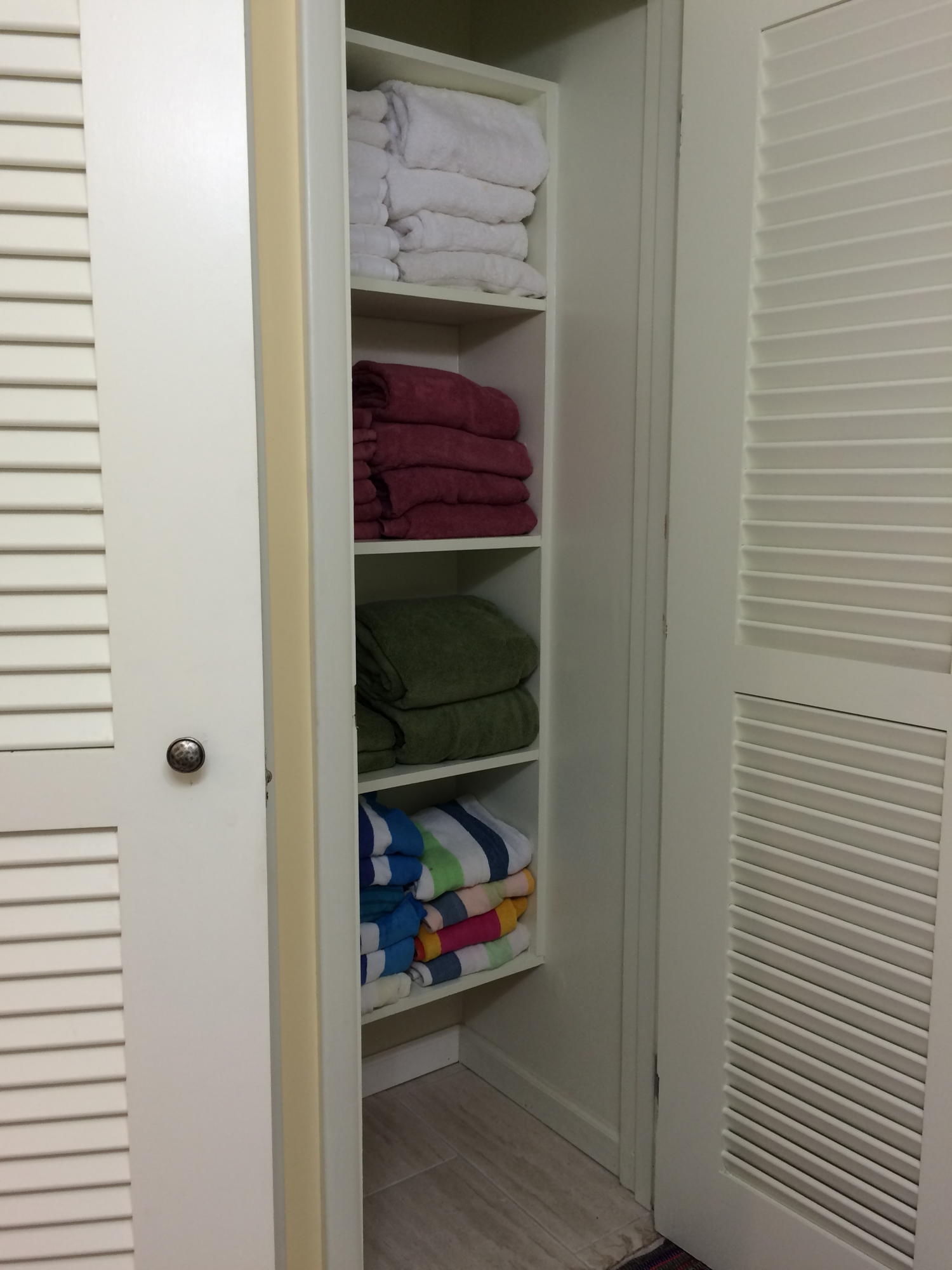 Guest Bathroom - Linen closet