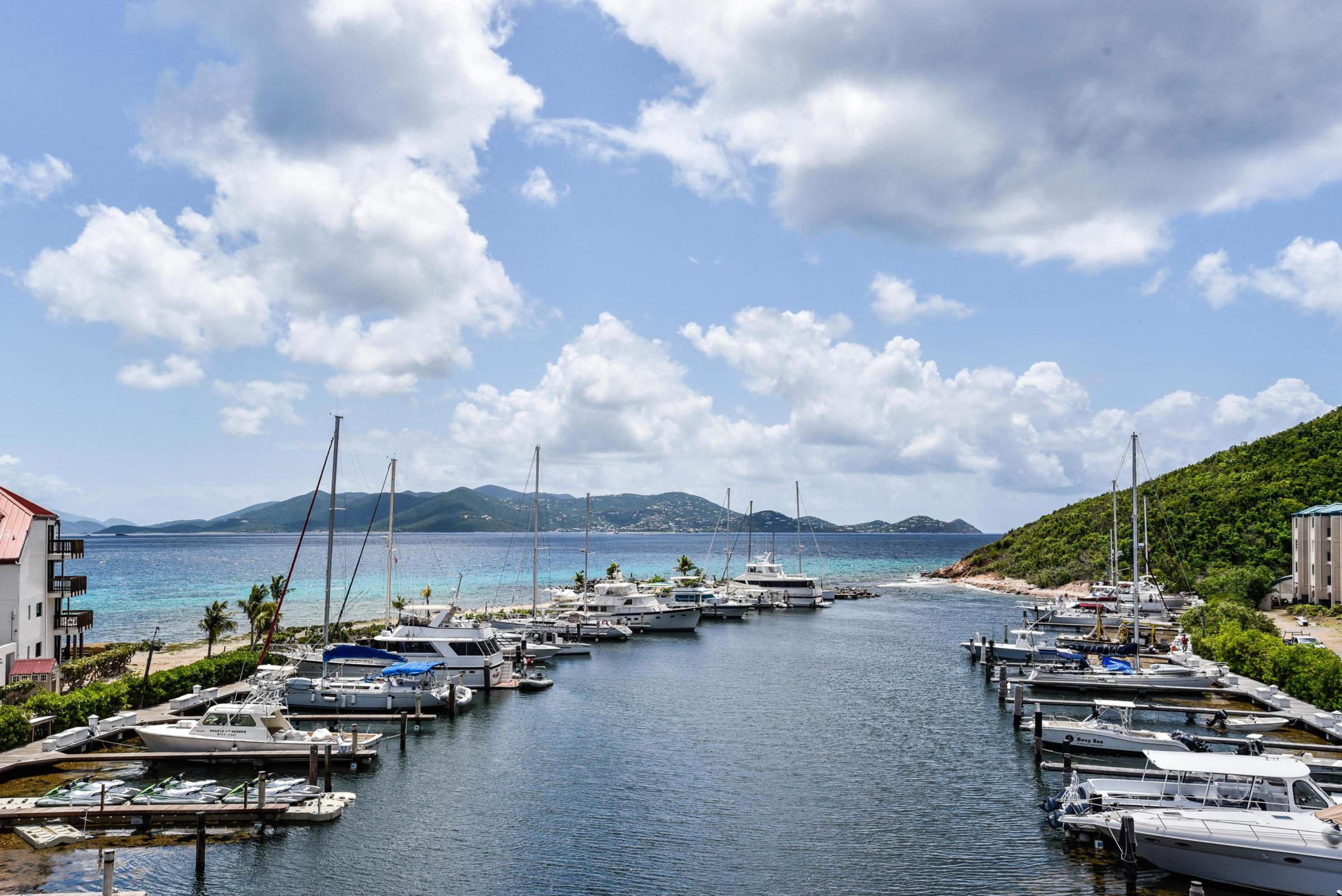 Slip N15 Sapphire Beach Resort & Marina