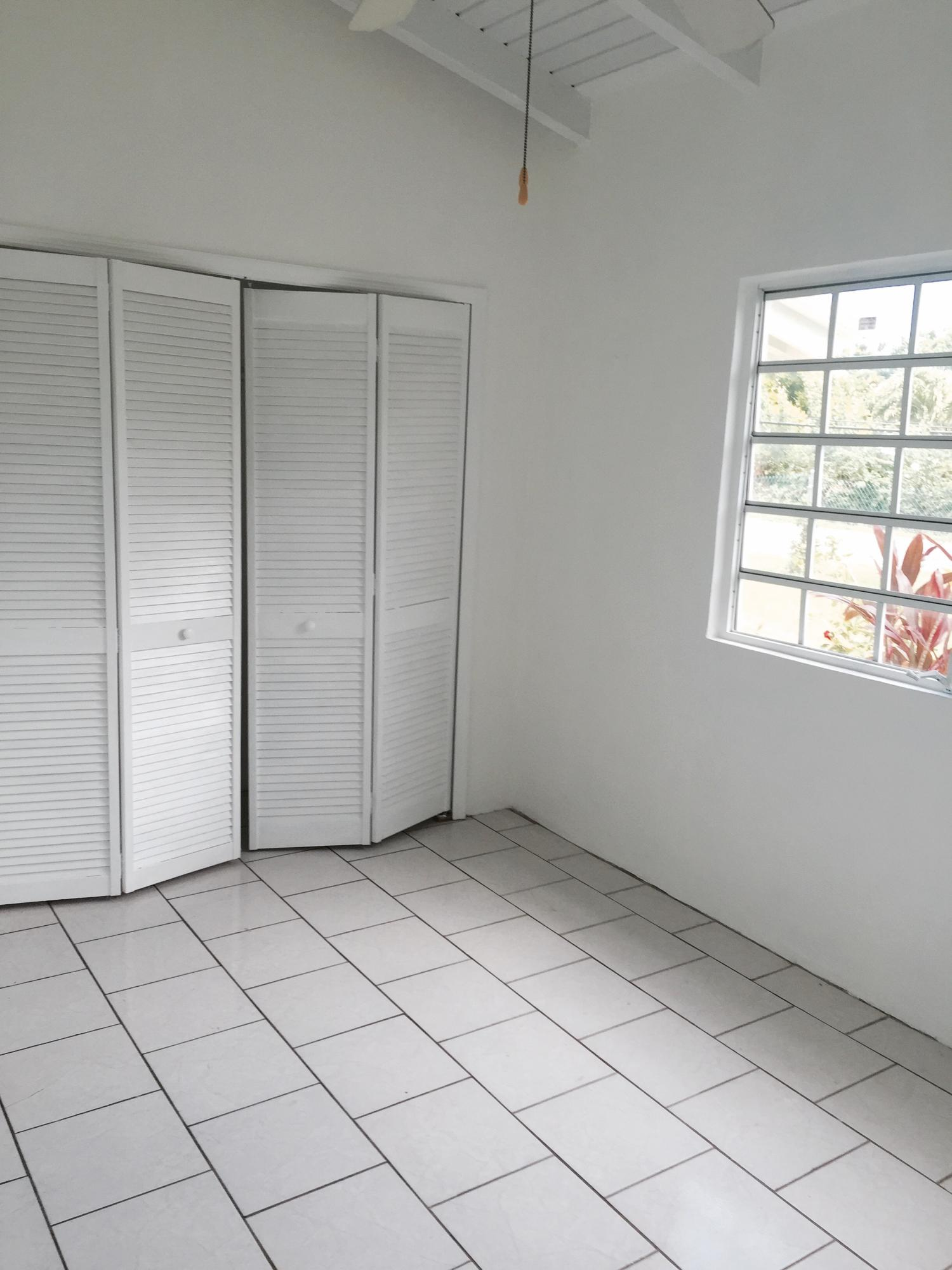 10 2nd bedroon closet space
