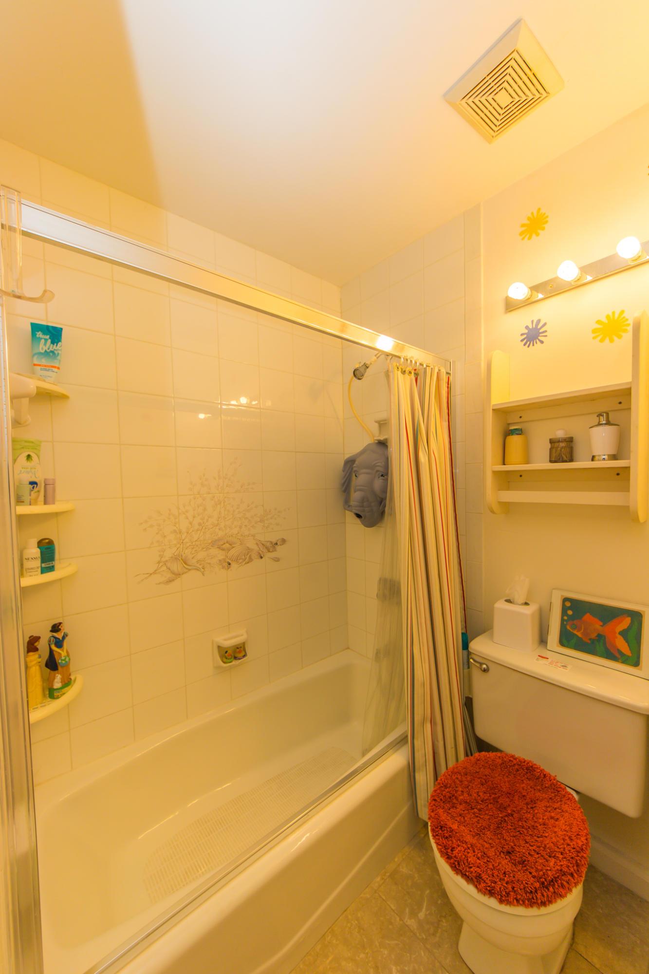 F2 guest bathroom
