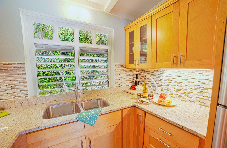 Beautiful Pristine Kitchen!