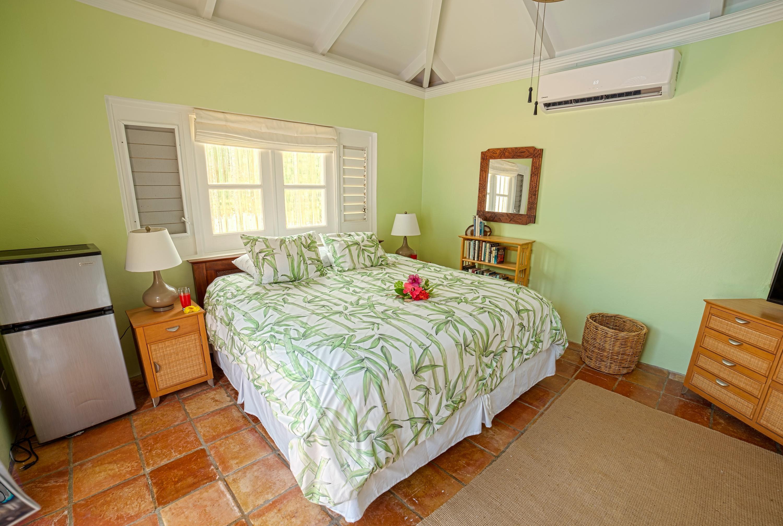 Guest Suite w/ Fridge!