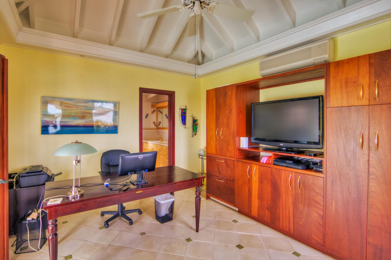 3rd Bedroom Suite Located Poolside