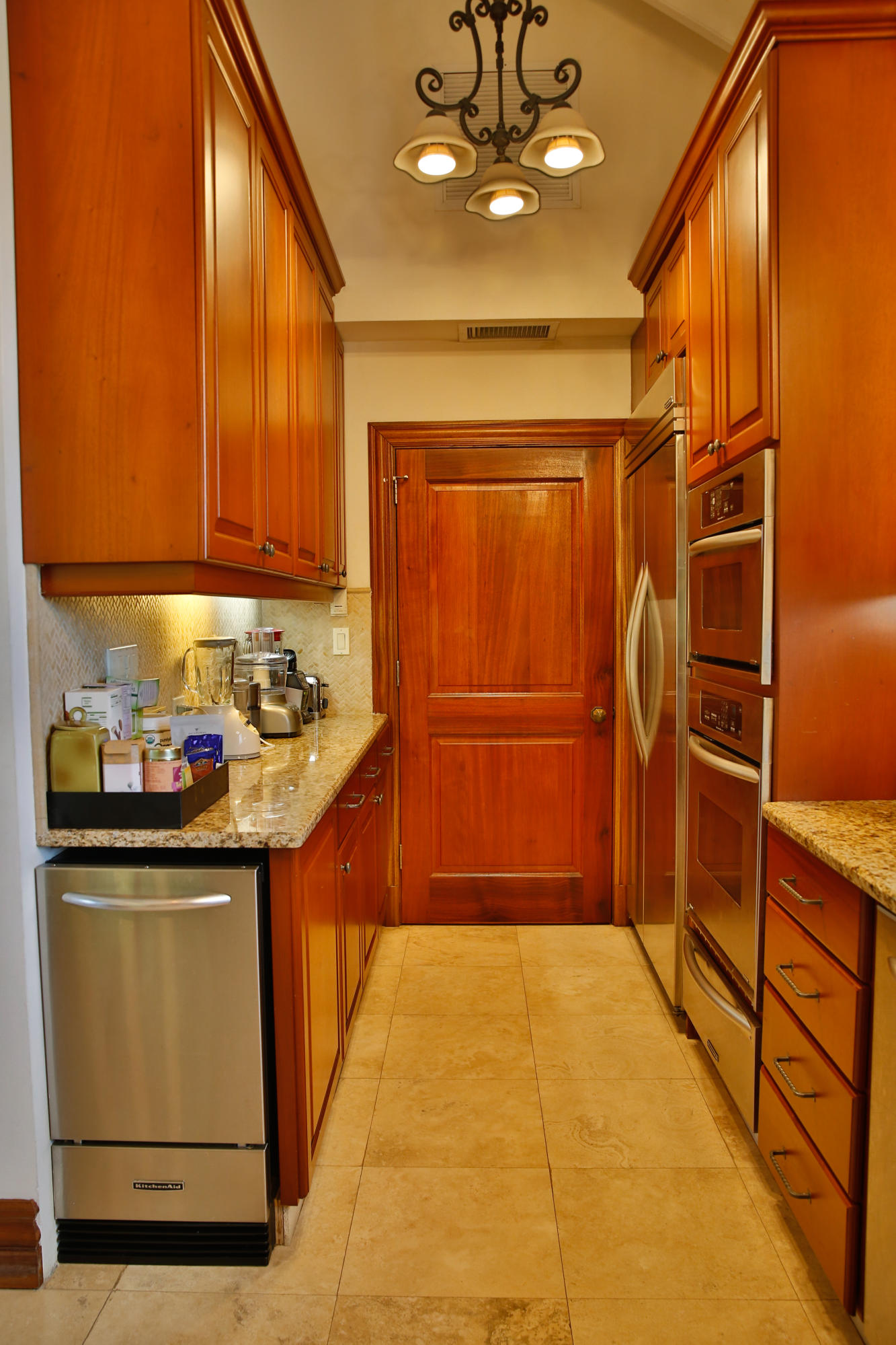 Great Pantry Area -wine cooler