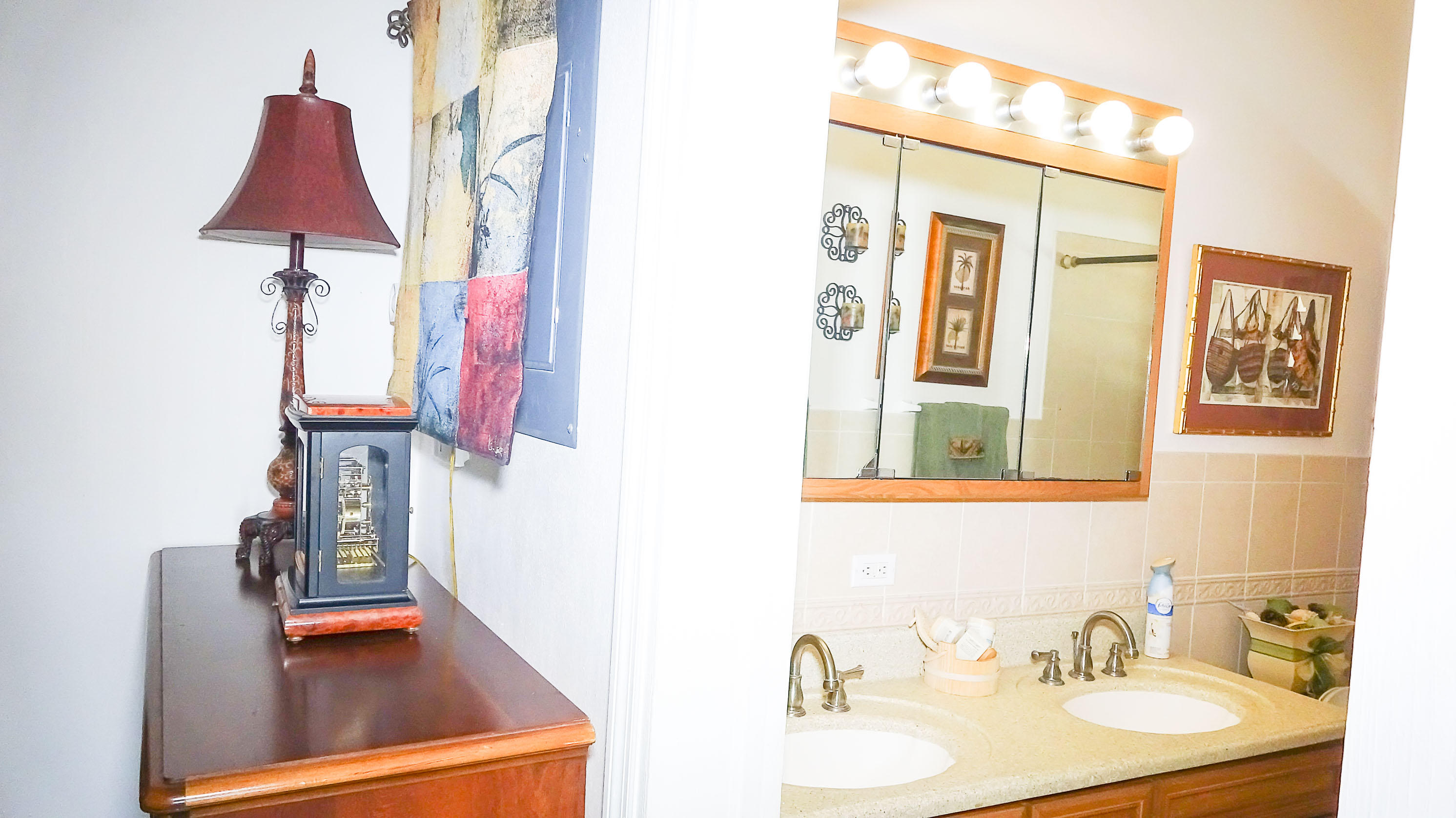 24-Bathroom 2 Hall
